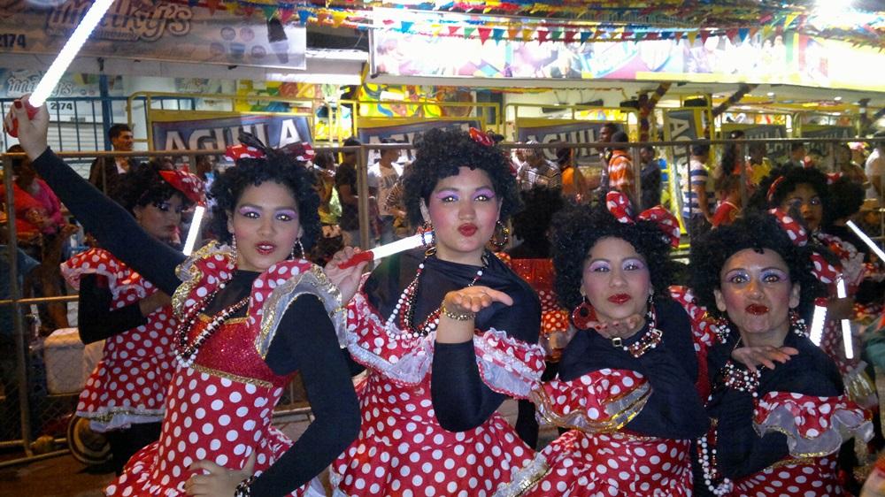 cuatro danzarinas